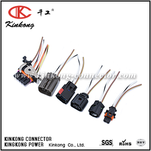 Auto wiring harness with injector connector